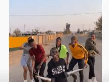 Uphetheni Esandleni – Ndlovu Youth Choir