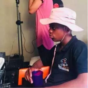 ProSoul Da Deejay & Philharmonic – Loco