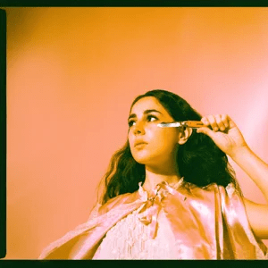 Samia – Show Up